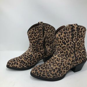 Ariat Leopard Print Leather Darlin Booties NWOT